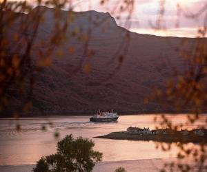 caledonian macbrayne ferry